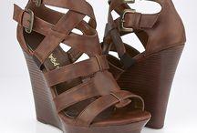zapatos y zandalias