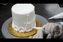 Cakes with buttercream design