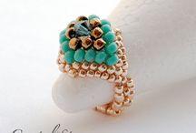 Δαχτυλίδια με χάντρες