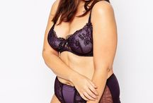 New Curvy Wardrobe Ideas / What's new in lingerie for curvy boudoir clients by Lindsay Wynne Boudoir.  Lindsaywynneboudoir.com #lindsaywynneboudoir #boudoir #curvy #loveyourcurves