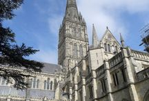 UK Cathedrals Encountered / An insight into the U.K.'s stunning soaring architectural feats.