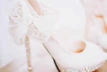Engagement/ Wedding Ideas / by Taylor Lamb