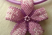 beads bunga-bunga