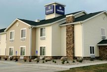 Evansville, WI Boarders Inn and Suites by Cobblestone Hotels / Big City Quality, Small Town Values! www.staycobblestone.com/wi/evansville/