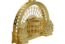 National Architecture Ornaments /  Most people display their Holidays or Christmas trees for many weeks after the Holidays. We created the holidays Architectural Collection in 3-D, 24KT gold finished brass, and handmade in the USA by the official ornament makers as exceptional collection pieces that you can place on your tree or display year-round as a unique ornament or model.  Start your collection today with the White House, 2014, as the first piece in this series.