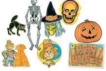 Vintage Halloween Decorations / The Halloween decorations that you remember as a kid.