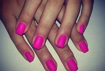 nails.. / is so sweet