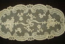 VINTAGE ANTIQUE DOILIES
