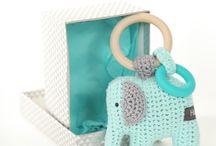 Gehaakte rammelaar / Handgemaakte rammelaar olifant