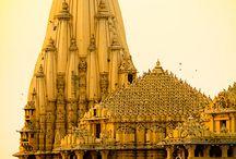 Architectural grandeur / Lavish structures.