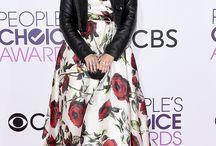 Jodie Sweetin Carries Annie Handbags Apple Minaudière to the People's Choice Awards!