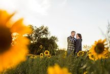 Engagement Photos / Engagement photos by Maine wedding photographers Hailey & Joel Crabtree.