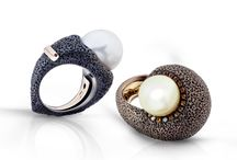 Sea jewerly collection / Sculpture rings with sapphires and fresh water pearls.