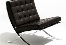 Barcelona toolid / Mies van der Rohe Barcelona toolid. Reprod erinevates värvides nii naha kui kangaga.