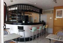 En Venta: Bar en Puerto del Carmen - Lanzarote / Oportunidad única: Bar totalmente equipado, 36 m2 más teraza, con licencia de Bar/cafeteria. Puerto del Carmen Muy bueno para inversión o para empezar tu nueva actividad bajo el sol de Lanzarote!