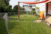 Clôture jardin anneau / Ideal comme chenil et clôture de jardin. Clôtures de jardin solides, sans travaux de fondations, uniquement les bâtons de liaison qui relient toujours 2 éléments ensemble vont être enfoncés profondément dans le sol et rendent ainsi la stabilisation finale à la clôture de jardin - refuse l'entrée et/ou sortie aux enfants et animaux - alternative attractive aux clôture en bois ou grillages en fil de fer ou fil barbelé - clôture mobile solide, rapide et facile à monter