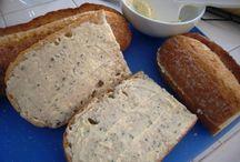 Breads, Rolls & Dough / by Sarai Stine