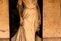 Temetői szobrok
