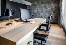 Hoog.design | Werkkamer / Een werkkamer is een ideale ruimte waar u nog even geconcentreerd aan het werk kunt zijn. Nog even de mail bijwerken of op het internet surfen, het werkt toch allemaal fijner als u in een ruimte bent waar u verder geen afleiding heeft van uw omgeving. Als er een ruimte in huis is die nog geen doel heeft gekregen, is een werkkamer geen overbodige luxe.