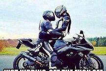motocyklisci i motory