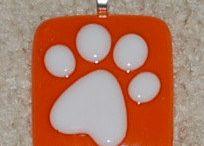 Fused glass paw print