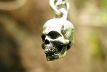 skulls pendant
