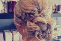 Beatiful bridal hair / Natural looking bridal hair with flowers