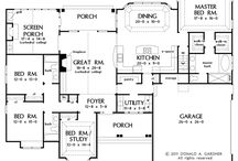 Floor plans / by Lynn Ulaner