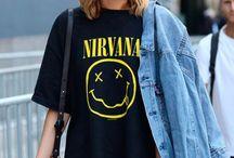 T-shirt dress / Looks e combinações com esta roupa mega confortável e versátil.