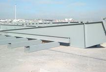 Hangar RYANAIR / Hangar de 2.800 m2 en Madrid-Barajas. Altura 18 m, luz de pórticos 45 m.