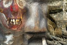 VU de près, de TRES PRES / objets africains vus de près, leur matière et leurs couleurs