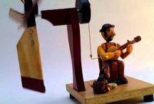 mechanické dřevěné hračky