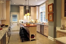 Kitchens / by Meredith Turner