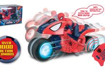 THE ULTIMATE SPIDER-MAN / Thinkwaytoys Toy Collection of the The Ultimate Spider-Man. Available in all mayor retail outlets