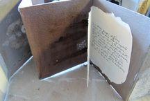Salon du livre objet .. livre d'artistes La Rochelle / du 29 avril au 1er mai à la chapelle des ursulines:4 rue Dupaty à La Rochelle... 11h/13h.....15h/18h30. vernissage : samedi 30 avril à 11h