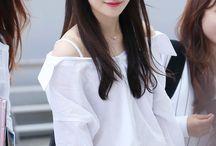 Jung Chae Yeon IOI
