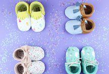 MOCCS Mini Shuu / Handmade Leather MOCCS for BABIES&KIDS   Moccs hechos a mano en piel natural de primera calidad para bebés y niños
