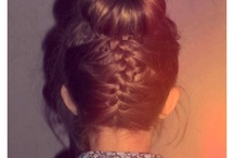 hairstyles / by Chelsea Molloy