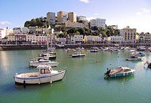 Torquay / One of my favourite places ☀️ - Torquay is a seaside resort town on the English Channel in Devon, South West England. Known for beaches such as Babbacombe and cliffside Oddicombe, its coastline is nicknamed the English Riviera. Torquay Harbour near the town centre offers shops, cafes and a marina. Torre Abbey, a monastery founded in 1196, has art galleries and extensive gardens featuring plants from local native Agatha Christie's novels.