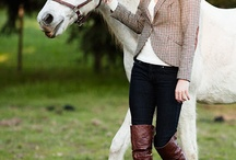 Equestrian Photo Session Outfit Inspiration / What to wear for your photo session with your horse.