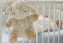 Best gifts for newborns / Una raccolta di idee regalo davvero originali per le neomamme e bebè! / by Apple Pie