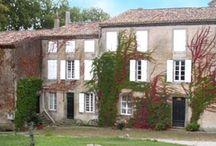 Château Auzias / Visite du vignoble et des chais au Château Auzias à Cabardès en Languedoc Roussillon Réservez avec winetourbooking.com