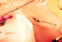 Svatební fotograf České Budějovice, Hluboká nad Vltavou, Český Krumlov / Svatba je v životě člověka důležitý okamžik. Profesionální svatební fotograf  vám zaručí svatební fotografie, které Vám na celý život budou připomínat tento slavnostní den. Jelikož se jedná o vyjímečný den jak pro ženicha a nevěstu, tak i rodiče a přátele, je velice důležité vybrat si svatebního fotografa, který se postará o profesionální zachycení všech momentů svatby.