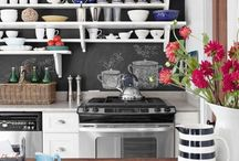 chic kitchen / by Bianca Galiano