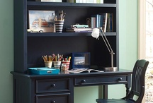 Cool Kid's Desks and Workspaces / Curated images of awesome desks and workspaces for kids.