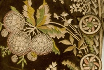 The garden / Throughout the history of textile and fashion, flowers and plants have been among the most frequently used decorative motifs, sometimes naturalistic, sometimes highly stylized. Treated with a wide range of techniques, these decorations have turned many fabrics into highly detailed botanical representations.