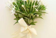 Wedding centerpiece/bouquet / Spring wedding