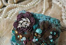 Textiles jewelry