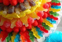 ♥Tortas de golosinas / Candies cakes♥ / Recursos e ideas para fiestas, tortas decoradas con golosinas, Rockets, M&M, chocolates, cubanitos, gomitas y malvaviscos.
