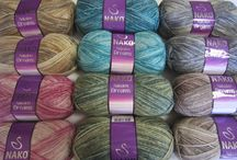 Yarn Nakolen dream / Very popular yarn for autumn/winter knits. Thread is making beautiful color changes.. Made from mercerized wool and acrylic. 100g.(3.53 ounces)/210m (229 yards) Needle size 4,5 - 5mm (US 6 - 7), crochet hook size 3mm. Yarn is made in Turkey - NAKO factory. Also Nakolen is available in plain color : http://yarnstreet.com/yarns/nako/nakolen and with pattern texture http://yarnstreet.com/yarns/nako/nakolen-jakar